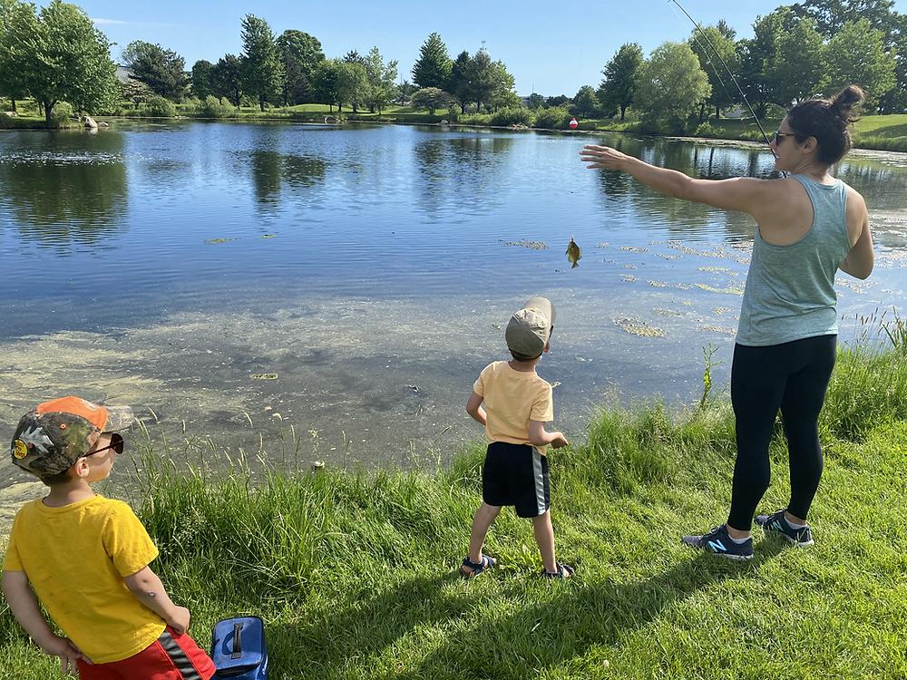 Teaching kids how to catch fish