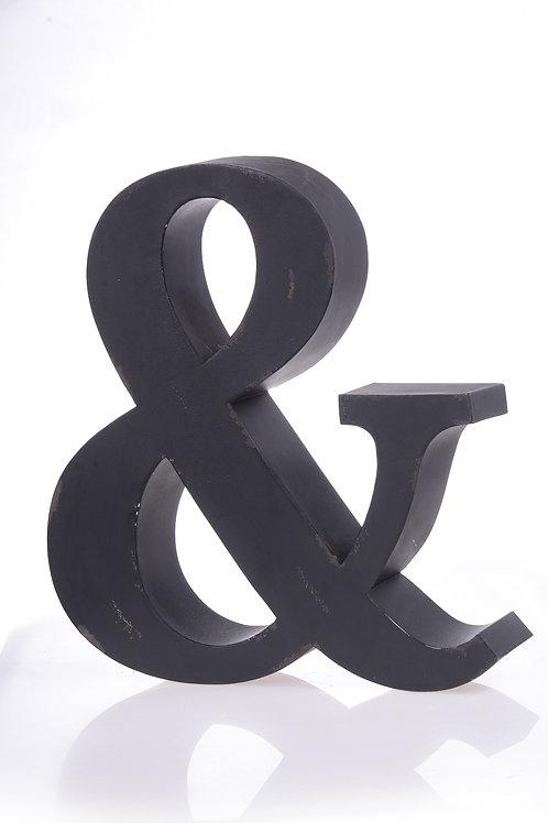 Black metal ampersand
