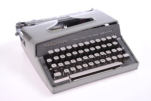 Vintage typewriter - working