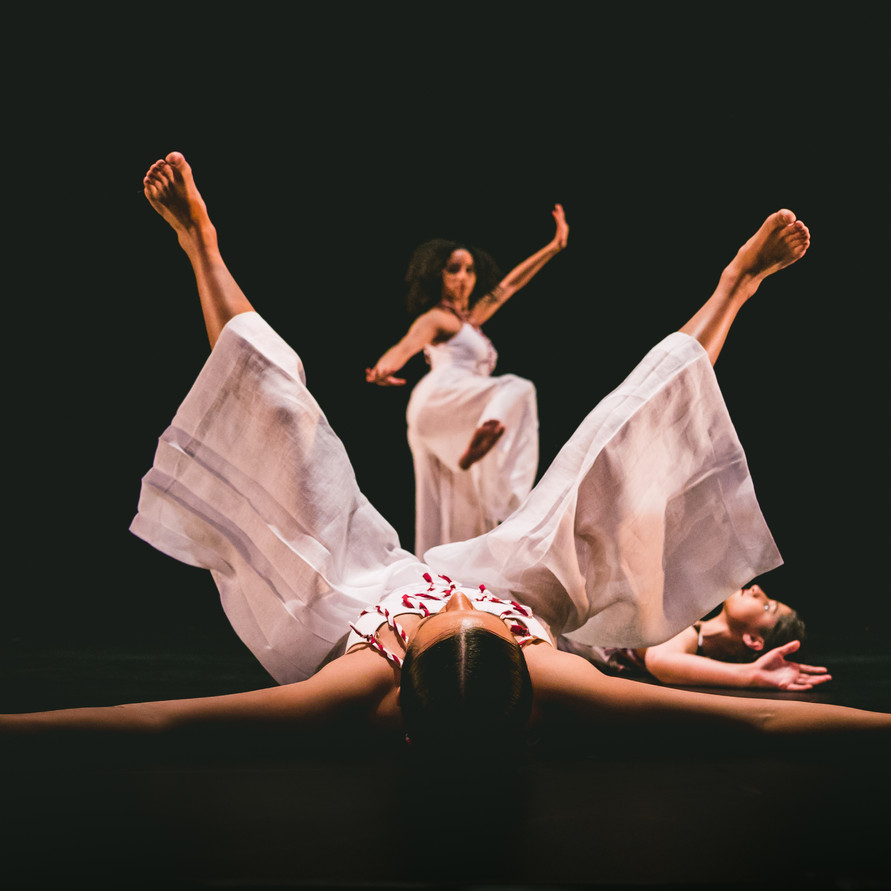 """""""We Must Say Her Name"""" Choreography by Alicia Díaz Costume Design by Johann Stegmeir Light Design by Maja E. White Scenic Design by: Josafath Reynoso Premiere 2019 in """"IN/MOTION"""" University Dancers 34th annual concert, University of Richmond"""