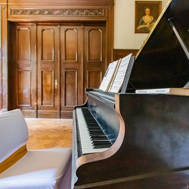 Konzertflügel Trauzimmer (Foto: Lichtspiele.de