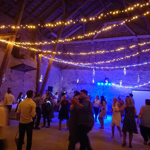 Tanzen in der Eventscheune