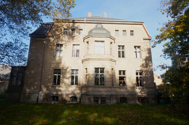 Seite Herrenhaus