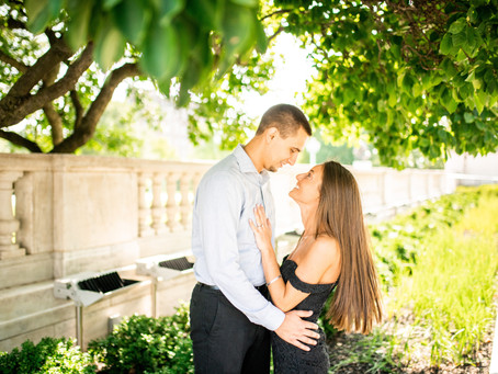 Maggie + Brandon // Engagement Session at The Cleveland Museum of Art