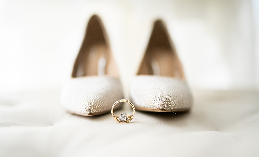 cream wedding shoes and wedding bands at hotel hilton in cleveland ohio