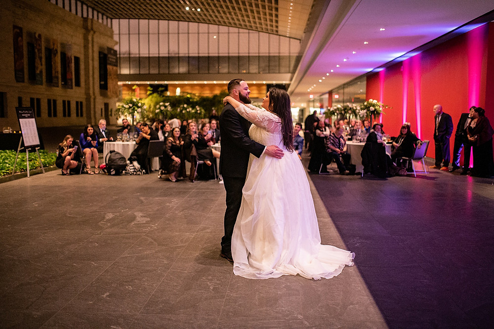bride and groom at the cleveland museum of art wedding reception