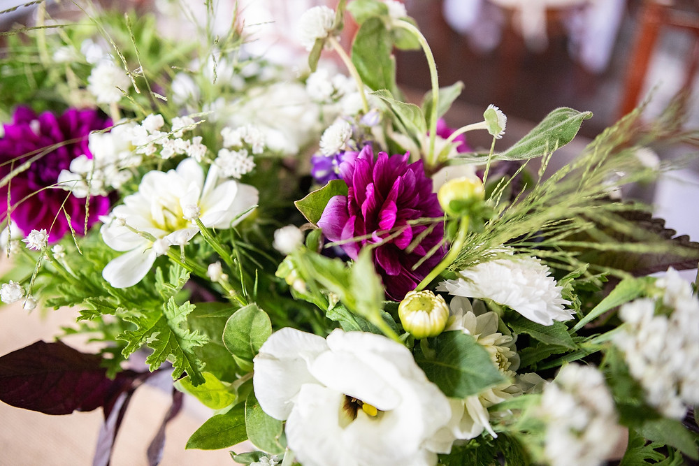 wedding florals that are purple and white