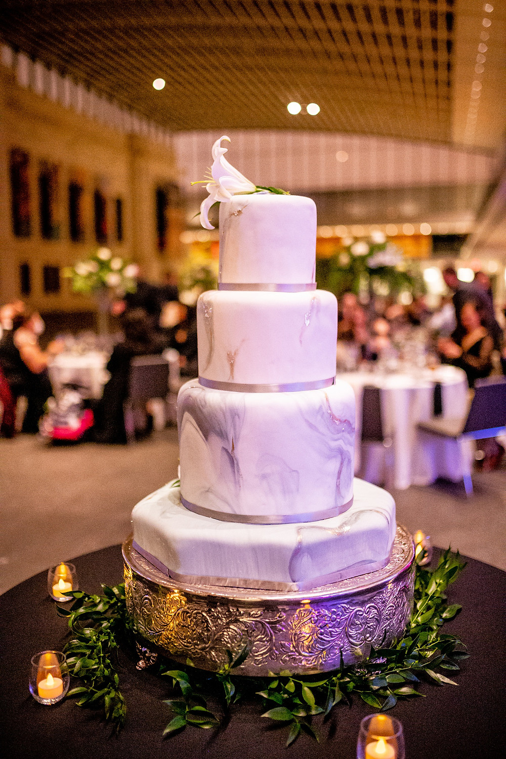 baking by pat hoose wedding cake at the cleveland museum of art wedding reception