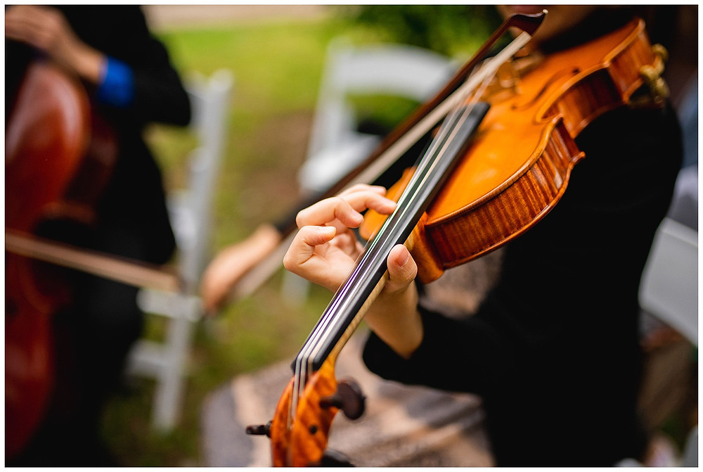 violinist plays during wedding processional near amherst Ohio