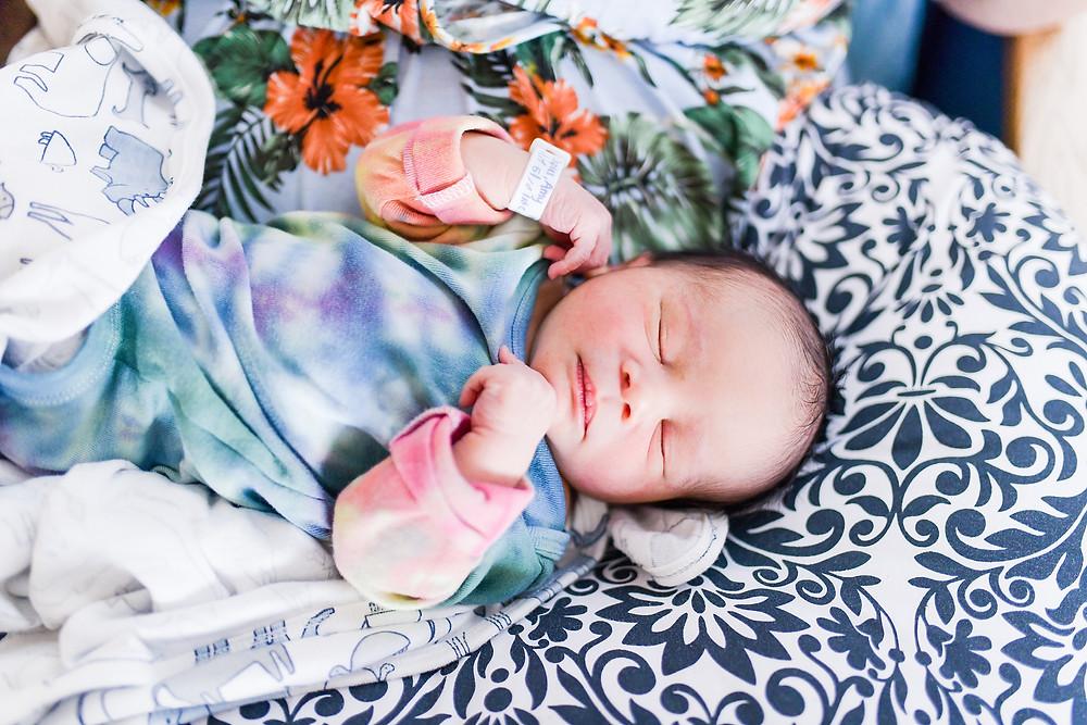 newborn session in natural light