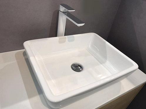 Freestanding vanity vessel