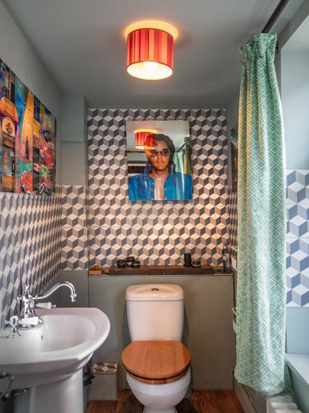 Middle Floor Toilet-10-16.jpg