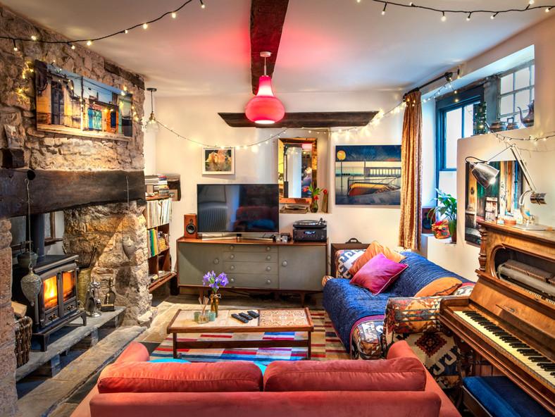 The Lounge-4-5.jpg