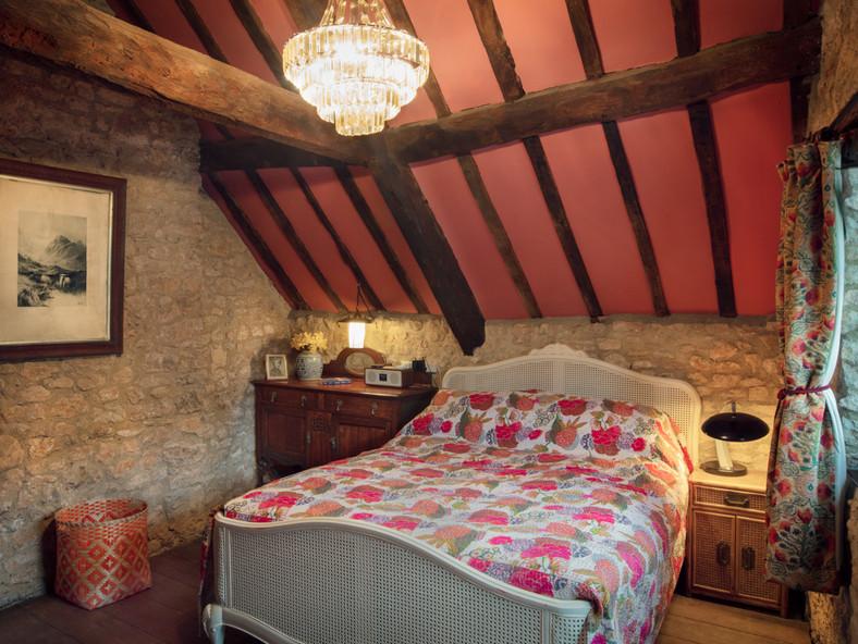 Master Bedroom 2-21-11.jpg