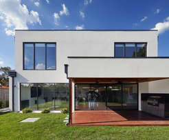 Reynaers Chisinau Moldova - Usi, glisante, ferestre și fatade cu geam termopan!