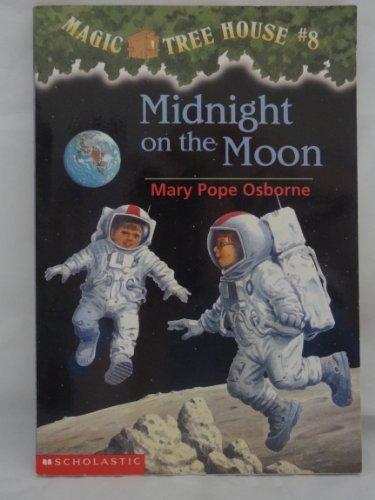 Midnight on the Moon (Magic Tree House #8)