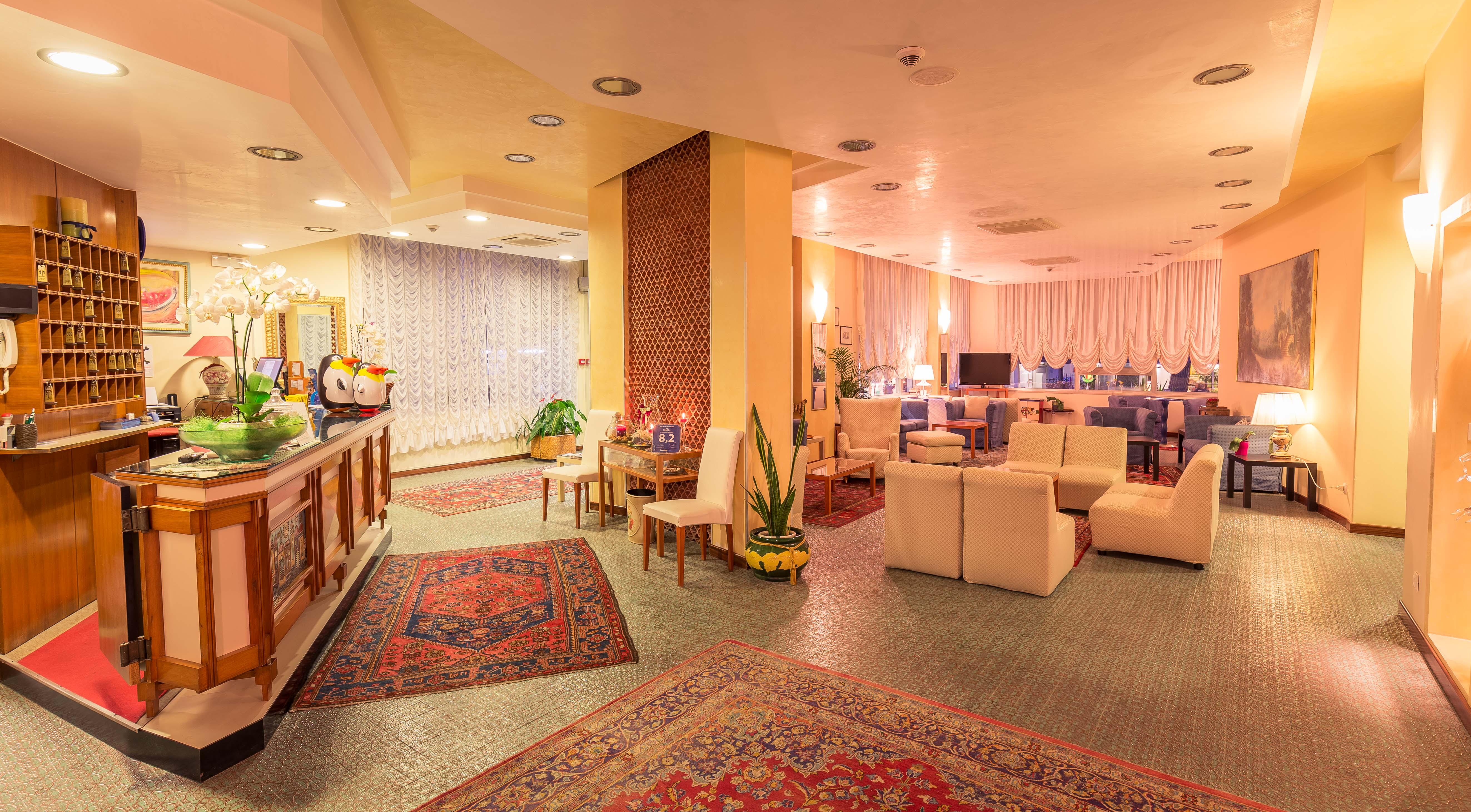 lobby hotel jet