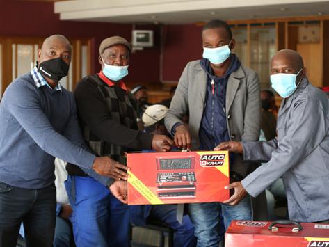 25 Mdantsane automatic mechanics receives toolboxes