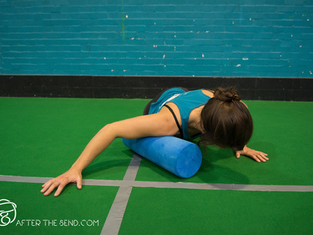 Stretching and mobility with Emily: Upper Back and Shoulders