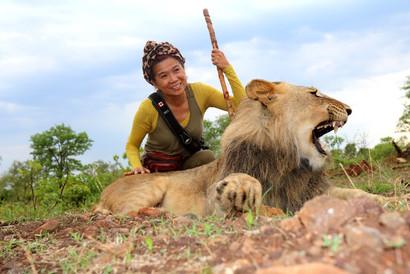 AY and lion.jpg