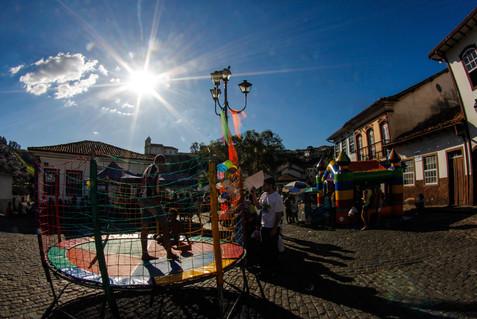 Atividade infantil no Largo do Marília (Antônio Dias)