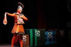 Espetáculo infantil Romeu e Julieta na Era dos Recicláveis