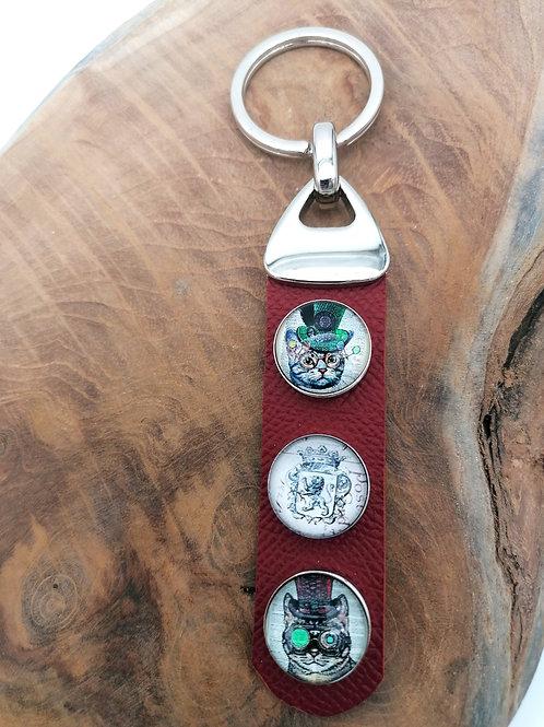 Porte-clefs cabochons sur cuir rouge bordeaux
