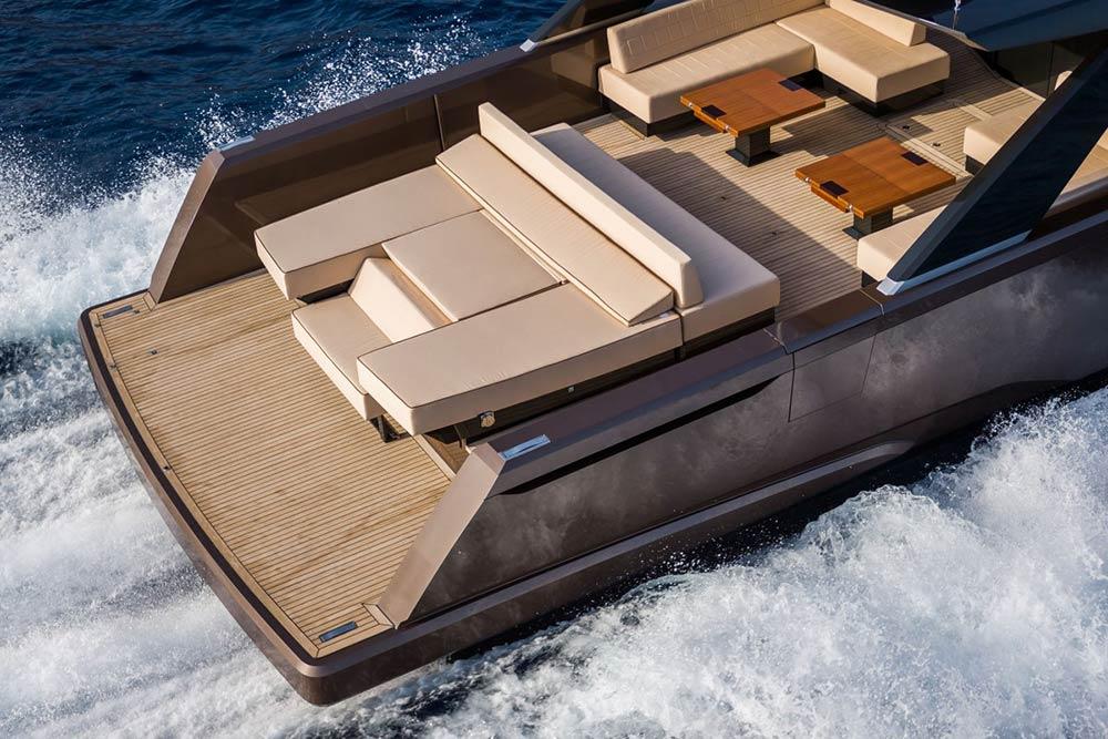 Alia-16-yacht-flexiteek-decking
