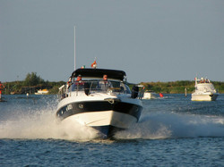powerboat-350481_1280