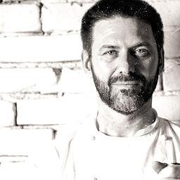 Alejandro Peyrou, Chef