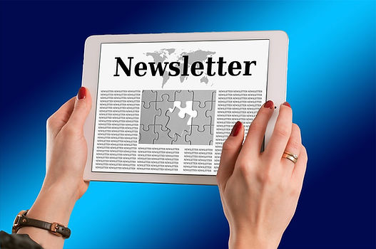 Newsletter-News-Hands-Press-Smartphone-N