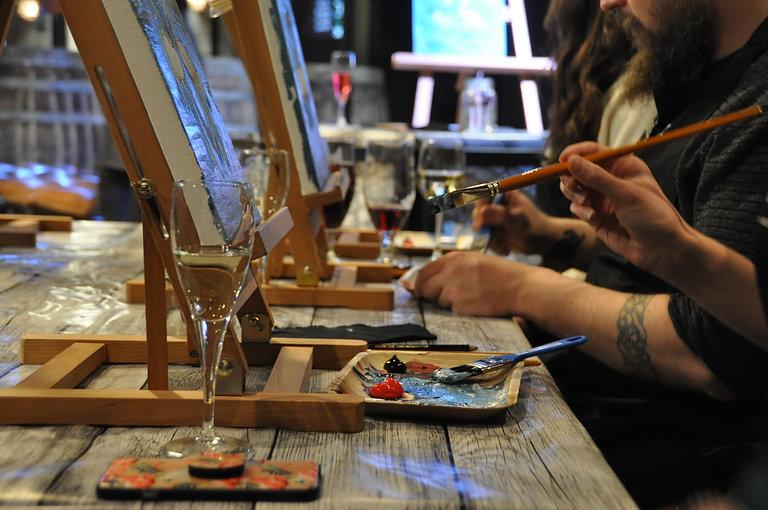 Paint and wine tampereella