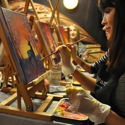 paint and wine tapahtuma ryhmä