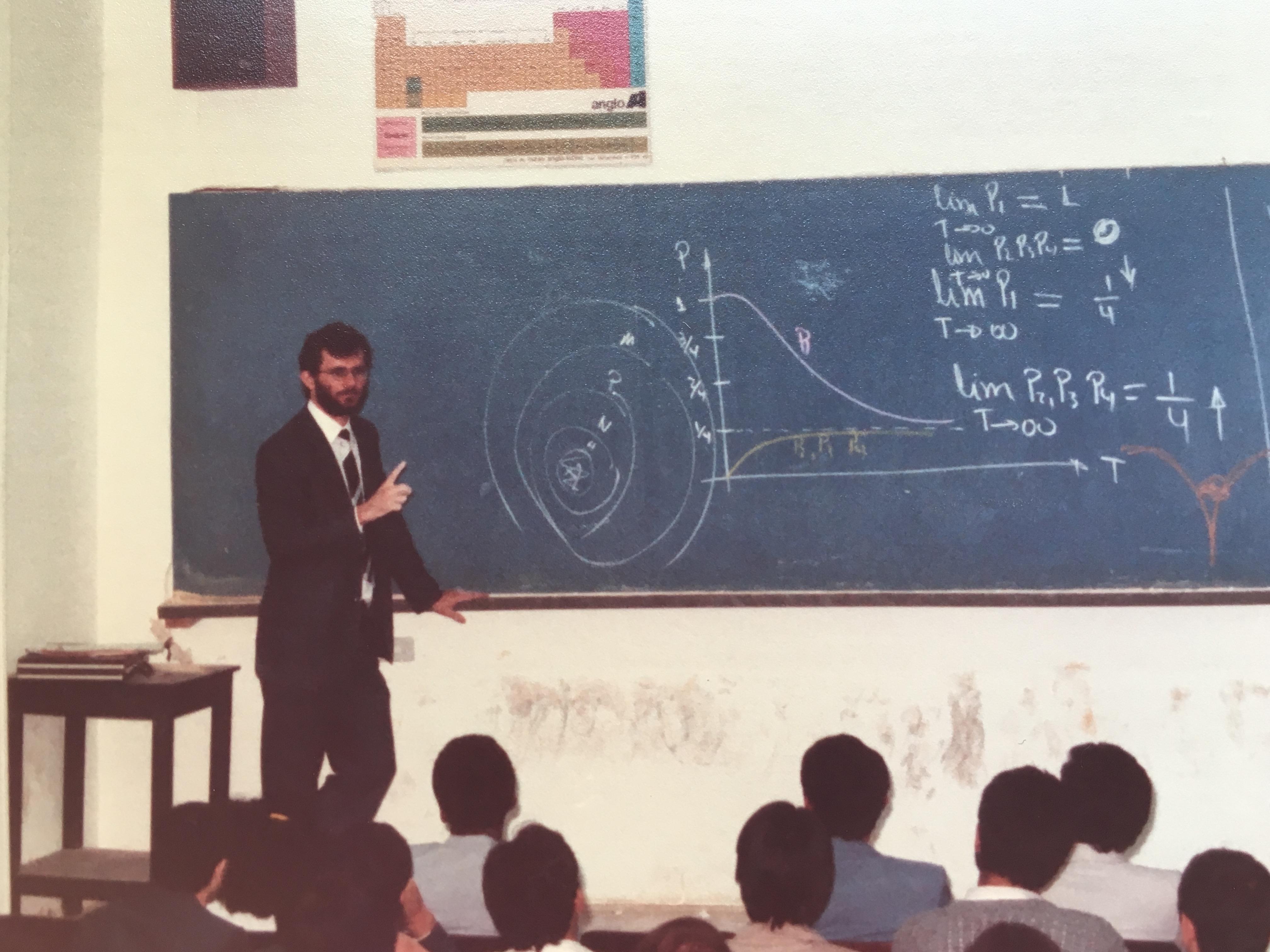 professor em 83
