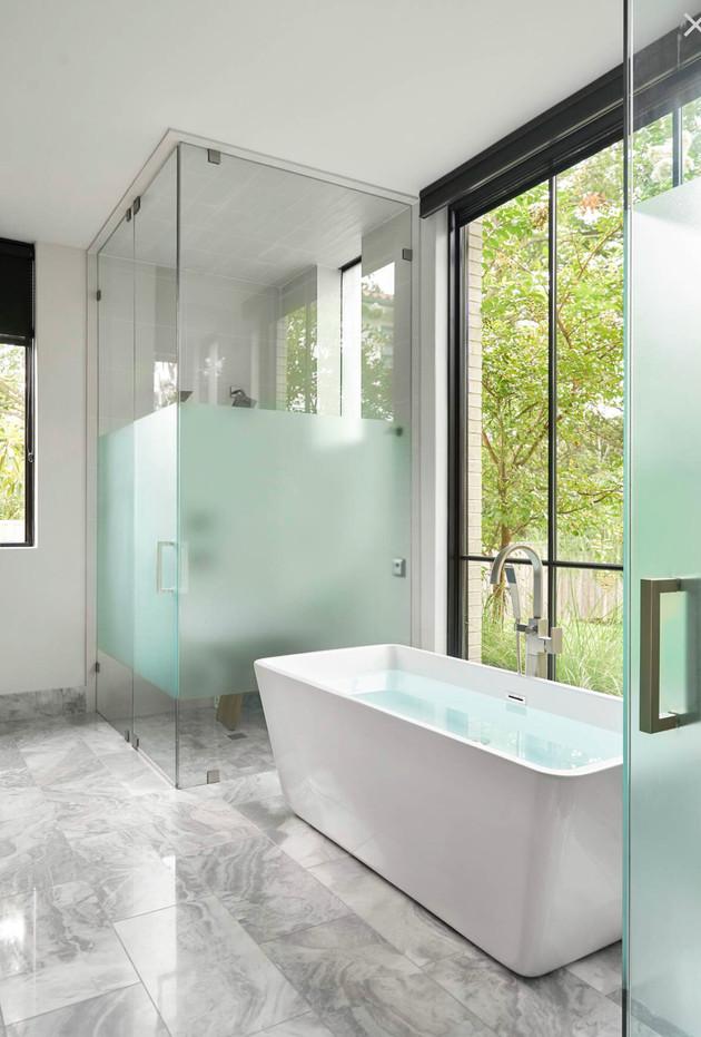 WestOrlando_Bathroom.jpg