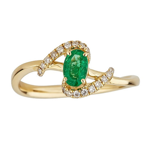 18KY OVAL-CUT ZAMBIAN EMERALD AND DIAMOND RING