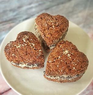 Μπισκότα με Τζίντζερ και Γέμιση Σοκολάτας