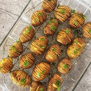Πατάτες στο φούρνο με Σκόρδο & Δενδρολίβανο