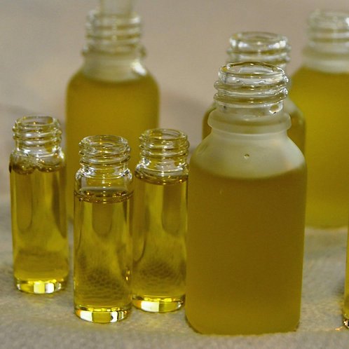 Travel size beauty oils, your choice
