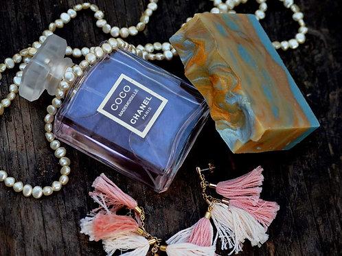 Mademoiselle de Versailles soap