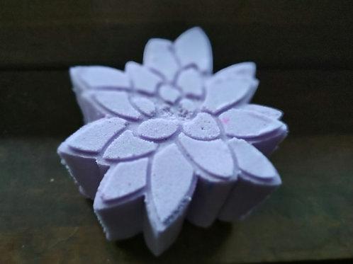Purple succulent bath bomb with color pop
