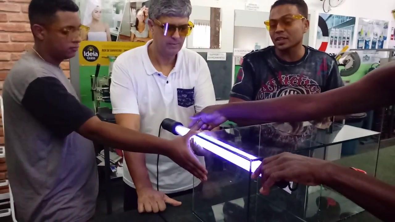 Colagem de Vidros UV