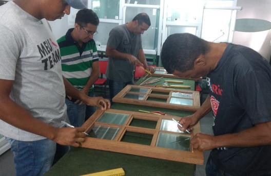 Instalação de Vidro Comum Instalação de Vidro Comum