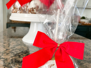 Teacher, Hostess, or Neighbor Gift Ideas - 12 DIYS of Christmas