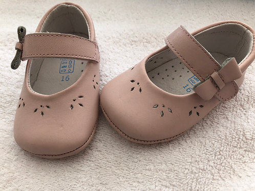 Angelitos pink leather baby shoes