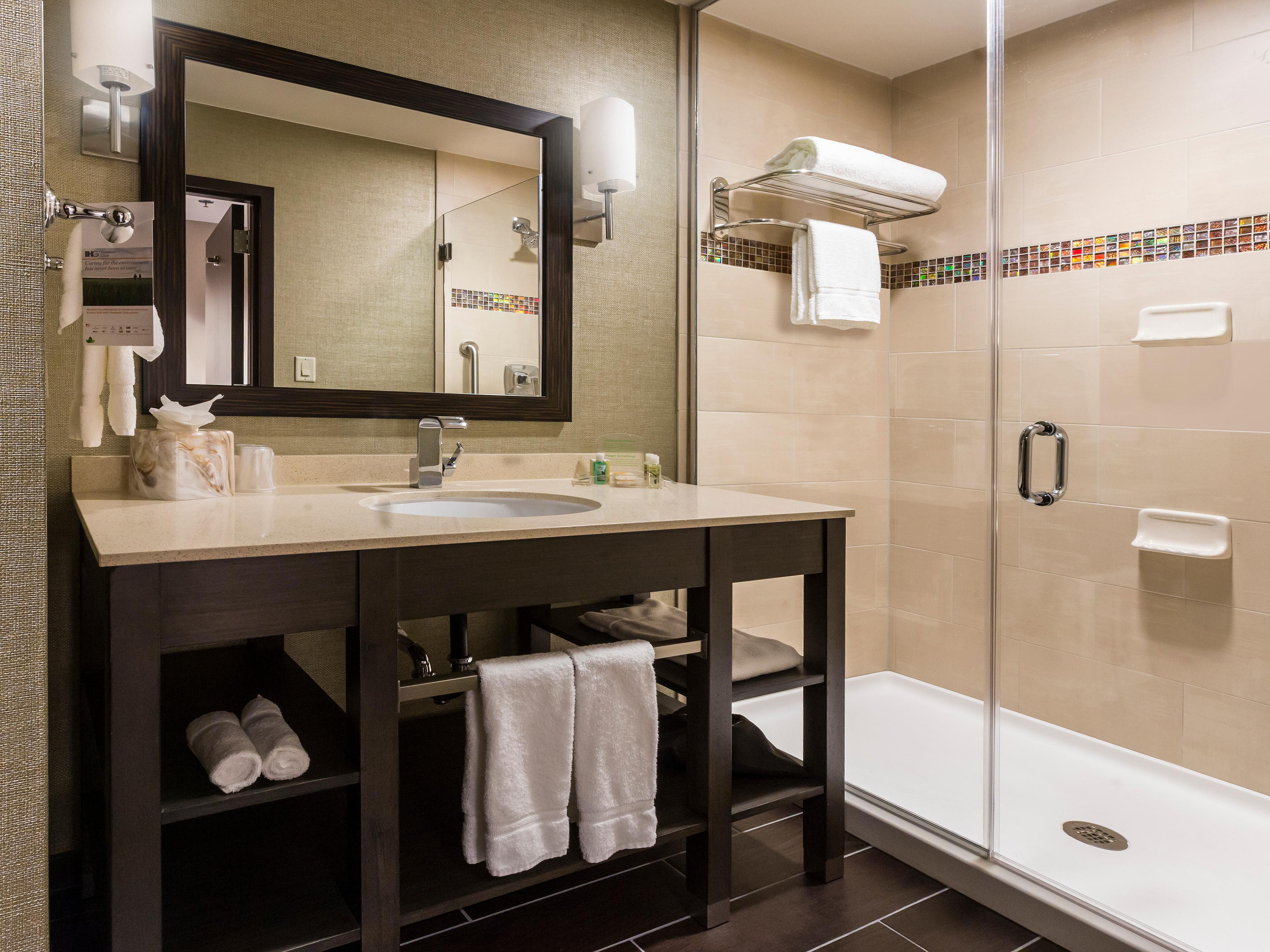 holiday-inn-hotel-and-suites-shenandoah-4690333484-4x3