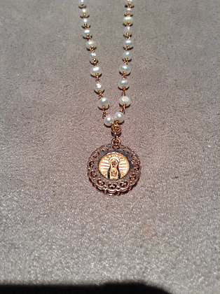 Cadena con Perlas de Virgen de Fatima Rose Gold con Marco