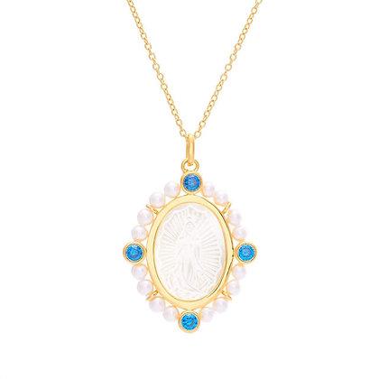Medalla  Virgen de Guadalupe de Madre Perla marco de perlas