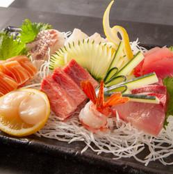 entrees_010-sashimi-moriwase.jpg