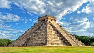 Mayan pyramid of Kukulcan El Castillo in Chichen Itza- Mexico.jpeg